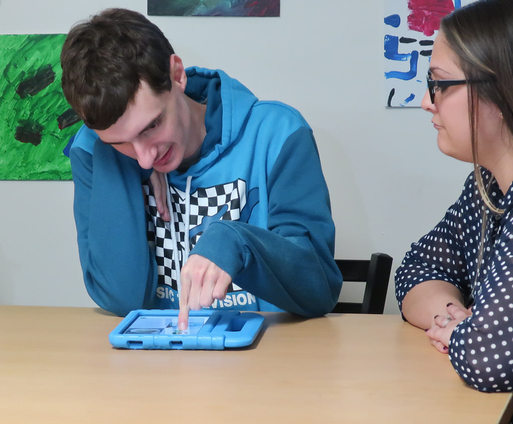 MyGuide user works with teacher